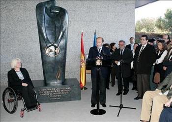 Se inagura en Madrid un monumento en recuerdo a las víctimas de tráfico