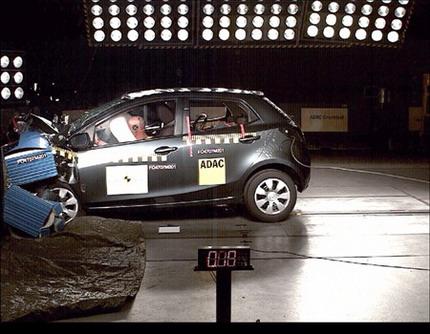 Resultados EuroNCAP del Mazda2, Volvo V70, Mercedes Clase C, Honda Civic y Renault Laguna