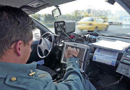 La Guardia Civil tendrá 12 patrullas que detecten automáticamente coches sin seguro