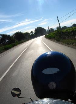 Pere Navarro pide adecuar el diseño de las vías a la presencia de motocicletas