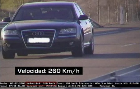 Audi A8 260 km/h