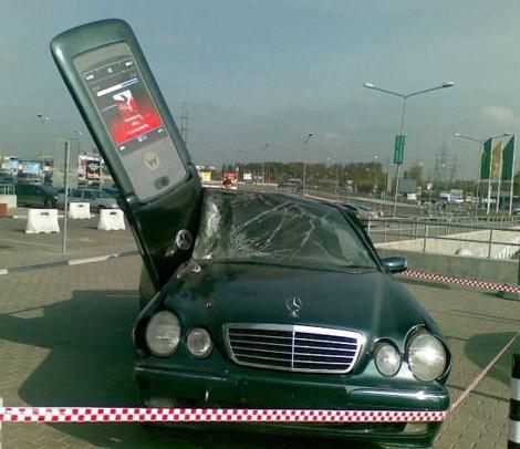 El móvil causa accidentes