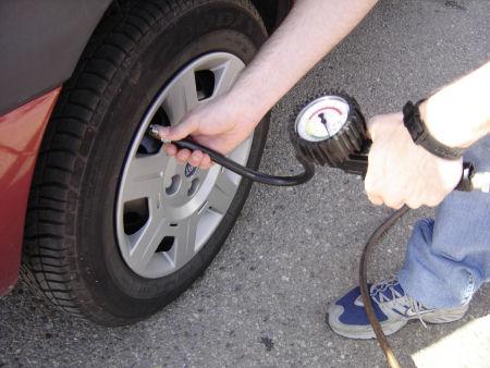 ¿Es conveniente sobreinflar los neumáticos?
