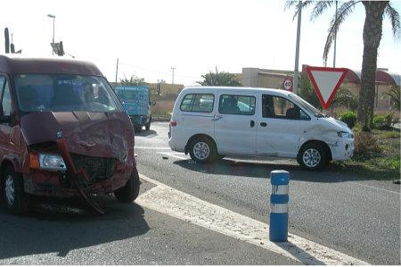 Colisión entre furgonetas. Agüimes, Enero 2008