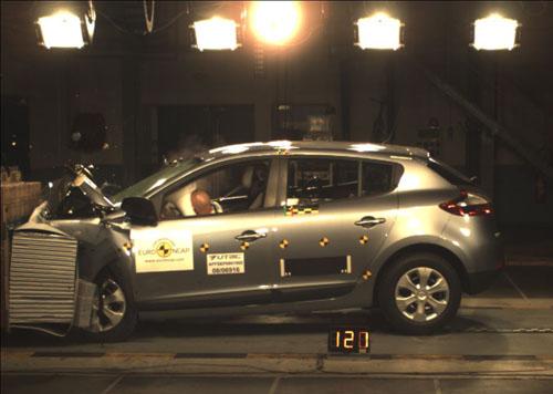 Renault vuelve a hacer historia en EuroNCAP