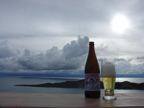 Cerveza después de una jornada en la playa