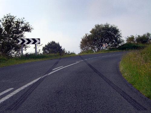 Frenazo en una carretera