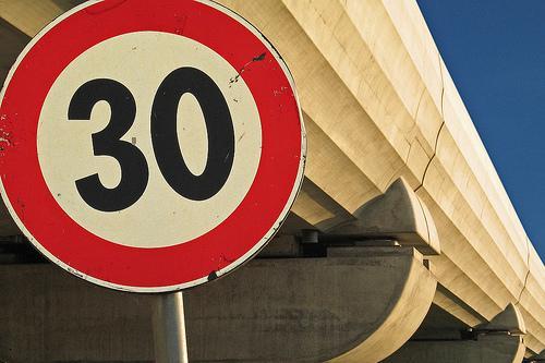 Iremos a 30Km/h por la mayoría de las vías urbanas