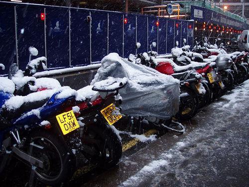Conducción de la moto en nieve