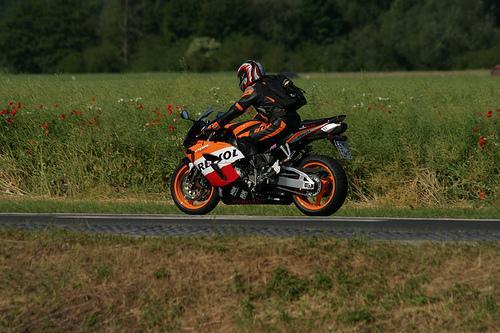 Conducción de motocicletas, la parte sensitiva (2/2)