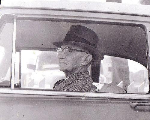 La nueva campaña de 'Ponle Freno' y los conductores más veteranos, o cómo ponerle freno al abuelo