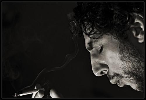 Tabaco y conducción van ganando más rechazo social