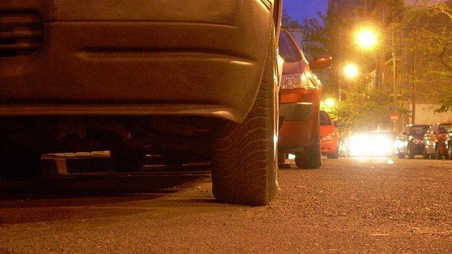 Las ruedas son la única parte del coche en contacto con el pavimento
