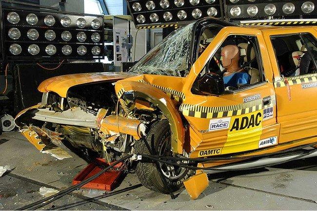 Así son cinco años de diferencia en crash test de coches chinos Jiangling
