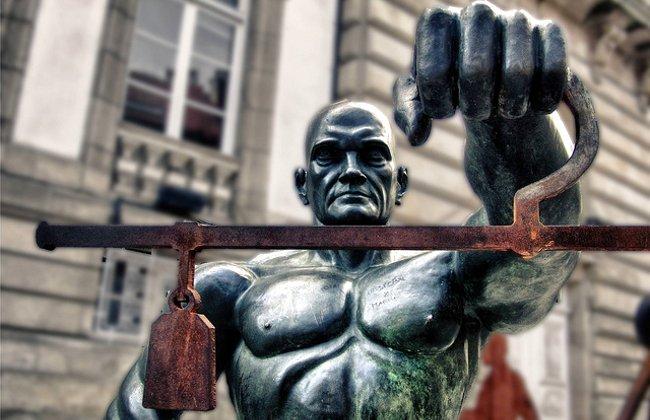 Juez impartiendo Justicia