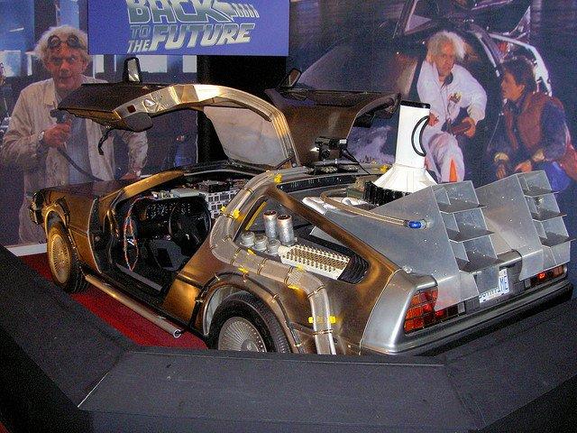 El DeLorean de regreso al futuro, una visión del futuro vista desde 1985