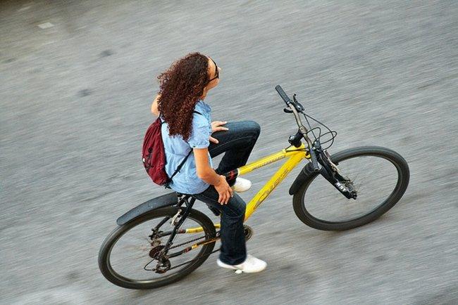 Peligros a dos ruedas, desplazamientos y cambios de carril