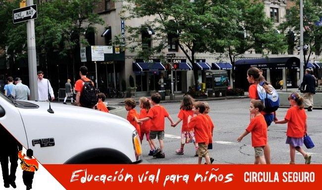 Educación vial para niños (3): cruzando la calle