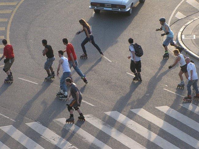 Los usuarios de patines también son peatones