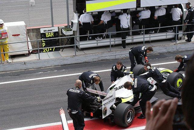 Los mecánicos de F1 seguramente no cobran por hora, sino por segundo
