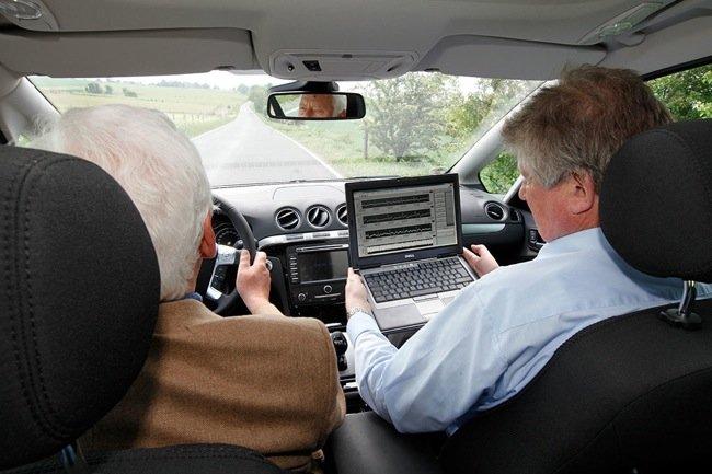 Sistemas de seguridad activa: ECG Seat y BLIS, de Ford