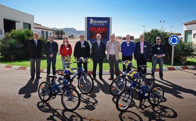 Michelin y Stop Accidentes, juntos por la educación vial en los colegios de Almería