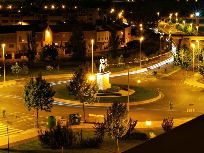 Iluminación en carreteras, ¿necesaria o no para la Seguridad Vial?