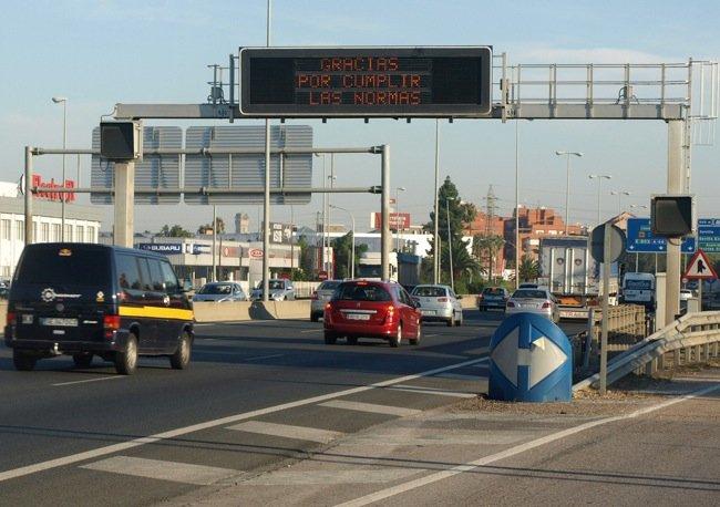 Puente de mayo complejo en las carreteras españolas