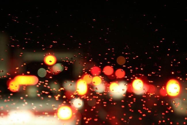 Conducir de noche tiene más miga que la que podemos pensar