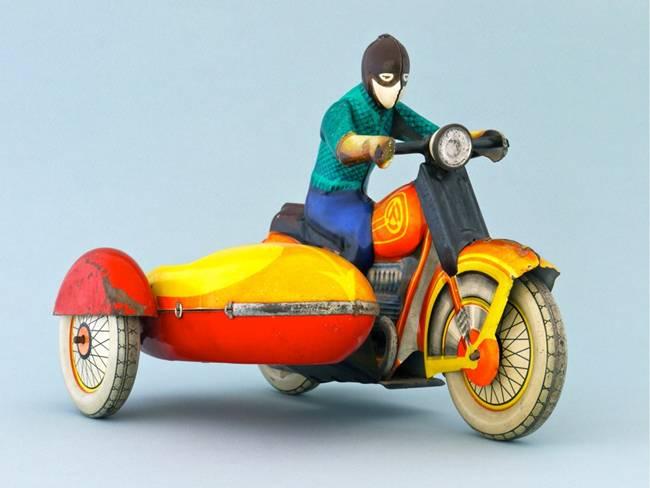 ¿Se puede conducir una motocicleta con sidecar de 125cc con el permiso A1 o el B?