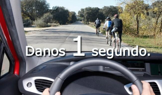 'Danos 1 segundo': piensa antes de adelantar al ciclista
