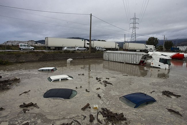 Ante una riada en carretera, cómo salimos del apuro
