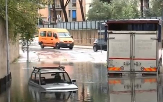 coche inundado