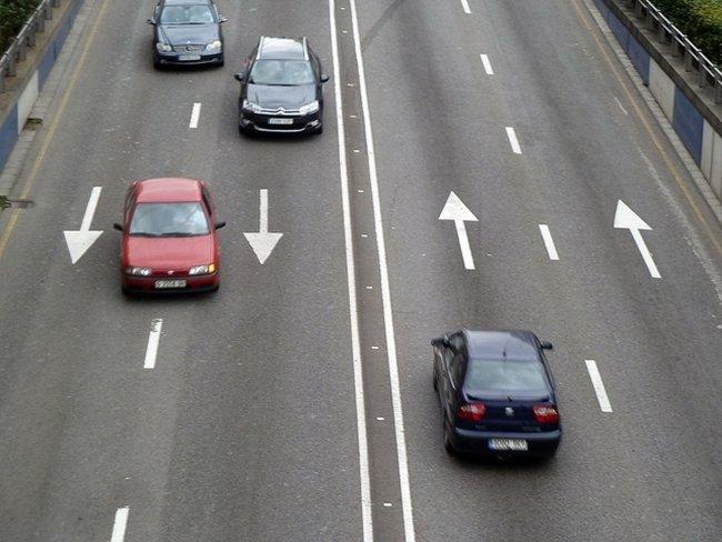 Preguntas de examen (1): sobre la velocidad en autopistas y autovías