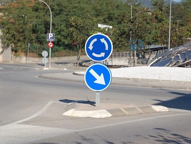 La decoración de las rotondas y la Seguridad Vial