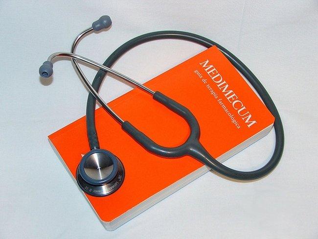 Un médico, ¿tiene potestad para retirar el permiso de conducir?