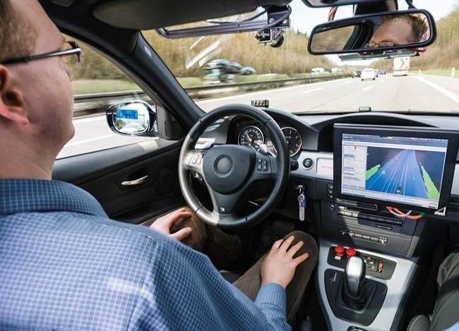 Interior del coche autónomo con el sistema de Bosch