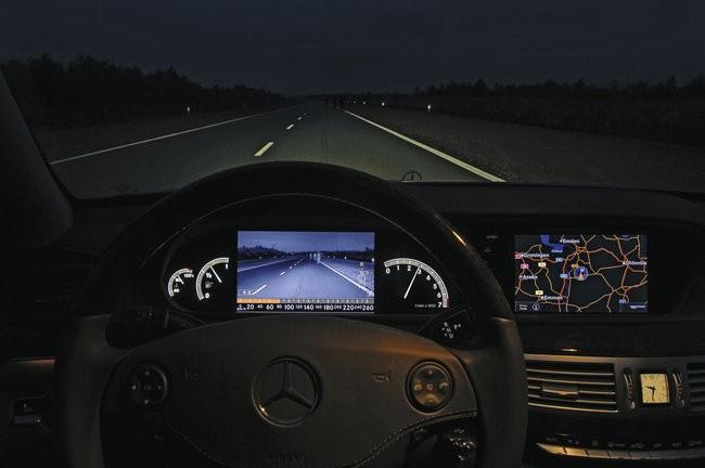 Visión nocturna Mercedes Benz