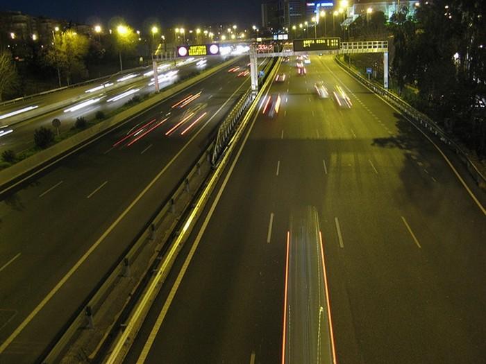Cuando la infracción tiene sanción y pérdida de puntos: distancia entre vehículos