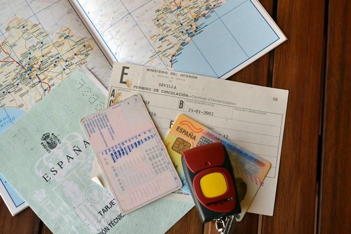 Sales al extranjero en coche, ¡toma nota!