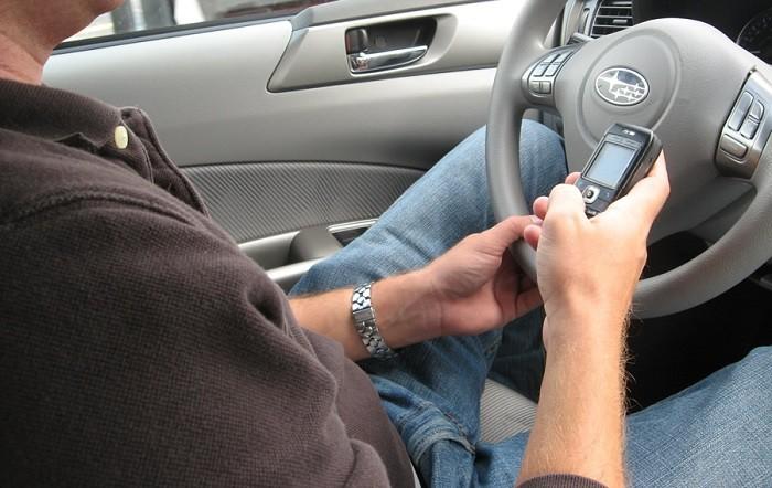 SMS Racing, un juego para concienciarse de separar móvil y automóvil