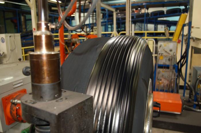 Visitamos la planta de renovado de neumático de camión en Valladolid