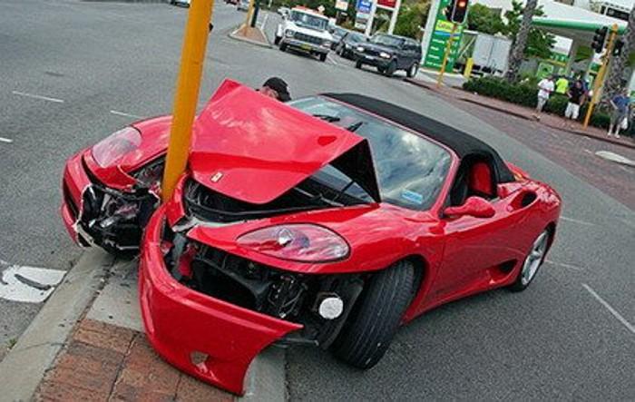 Farolas desencajables para reducir los daños en las colisiones