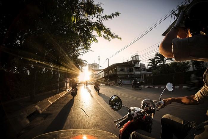 Sol, humedades, frío y moto: invierno en estado puro