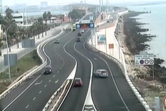 Infracciones de tráfico vistas por la DGT (3): Cambio de sentido