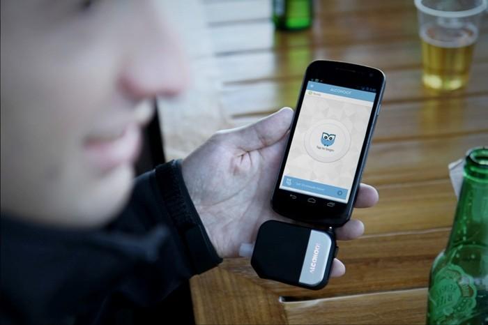 Alcohoot, un alcoholímetro para tu teléfono móvil