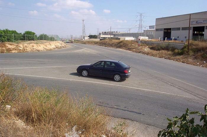 ¿Me pueden sancionar por detener mi vehículo en una zona excluida al tráfico?