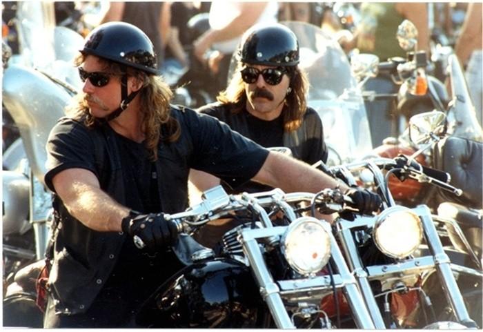 ¿Qué gafas de sol son las adecuadas para conducir en moto?