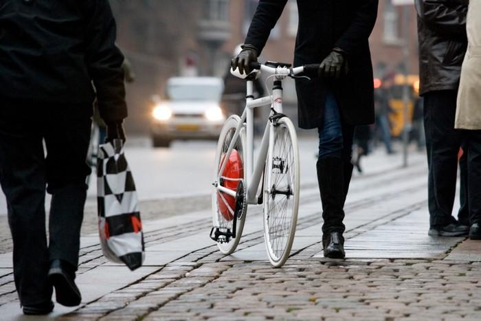 Los ciclistas y los semáforos en rojo