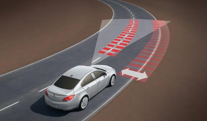 Opel-Insignia-LaneDepartureWarning